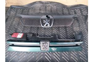 б/у Решётки радиатора Peugeot 306
