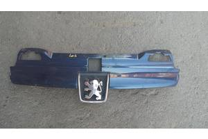 б/у Решётка радиатора Peugeot 406