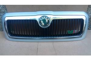 б/у Решётки радиатора Skoda Octavia RS