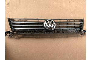 б/у Решётка радиатора Volkswagen Caddy