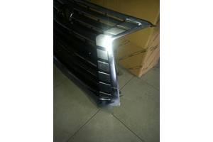б/у Решётка радиатора Lexus LX