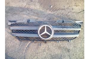 б/у Решётка радиатора Mercedes