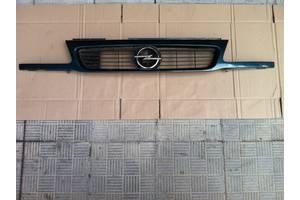 б/у Решётки радиатора Opel Astra F
