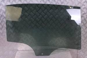 б/у Стекла двери BMW 1 Series 5D