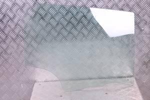 б/у Стекла двери Mazda 3 Sedan