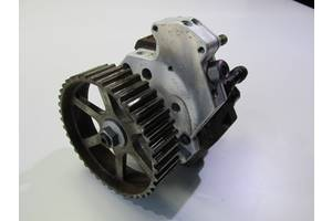 б/у Топливные насосы высокого давления/трубки/шестерни Volvo