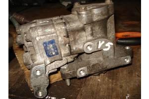 б/у Топливные насосы высокого давления/трубки/шестерни Mitsubishi Carisma