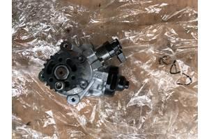б/у Топливные насосы высокого давления/трубки/шестерни Volkswagen T5 (Transporter)