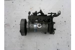 б/у Топливные насосы высокого давления/трубки/шестерни Mercedes 809