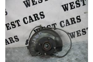 б/у Поворотный кулак Mitsubishi Lancer