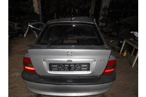 б/у Уплотнители крышки багажника Opel Vectra