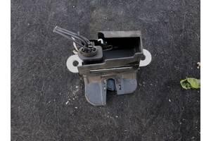 б/у Замки крышки багажника Volkswagen В6