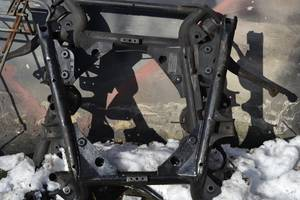 Балки передней подвески BMW X5