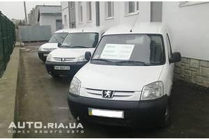 Бамперы передние Peugeot Partner груз.