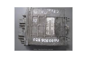 Блок управления двигателем Volkswagen Golf I