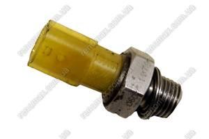 б/у Датчик давления масла Renault Megane III