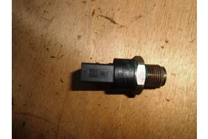 б/у Датчики давления топлива в рейке Renault Trafic