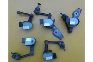 Блоки управління пневмопідвіскою Volkswagen Touareg