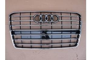 б/у Решётка радиатора Audi A8