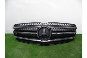 б/у Решётка радиатора Mercedes R-Class