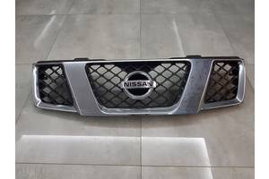 б/у Решётка радиатора Nissan Pathfinder