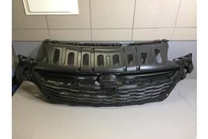 б/у Решётка радиатора Opel Corsa