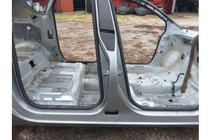 б/у Стойка кузова средняя Opel Meriva
