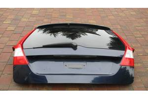 б/у Крышки багажника Volvo V70