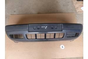 Бампер передний Audi 80