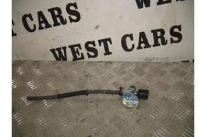 б/в Электроклапан управления Vanos Toyota Avensis
