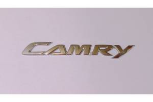 б/у Эмблема Toyota Camry