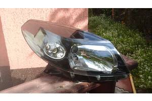 Фара Renault Sandero
