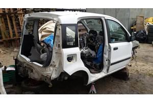 Четверть автомобиля Fiat Panda