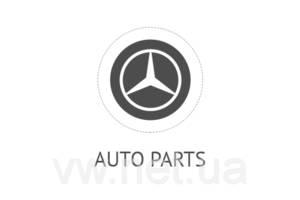 Капот Mercedes