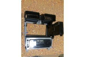б/у Блоки управления печкой/климатконтролем Subaru Forester