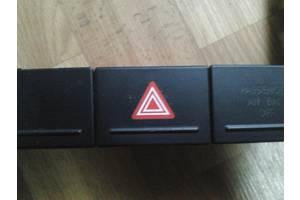 Кнопки аварійки Volkswagen Touareg