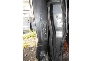 б/у Замки двери Opel Vivaro груз.