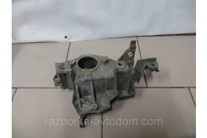 Кронштейн Renault Kangoo