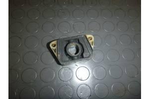 б/у Кронштейн крепления радиатора Skoda Roomster