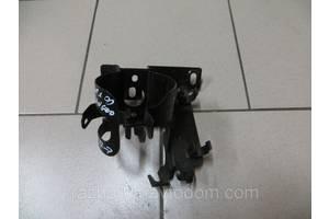 Кронштейн топливного фильтра Renault Kangoo