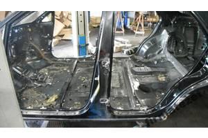 Стойка кузова средняя Lexus RX