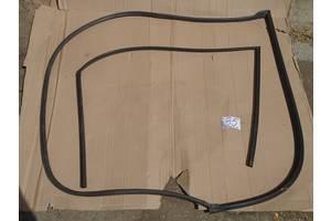 б/у Уплотнитель двери Mazda 3