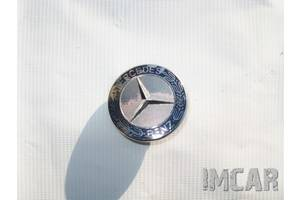 Эмблема Mercedes C-Class