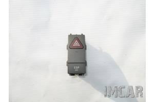Блок кнопок в торпеду Mercedes C-Class
