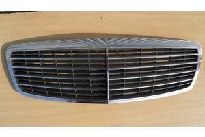 Решётка радиатора Mercedes E-Class