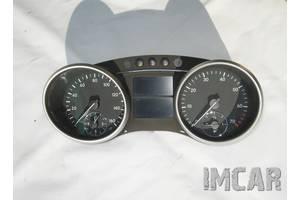 Панель приборов/спидометр/тахограф/топограф Mercedes GL-Class