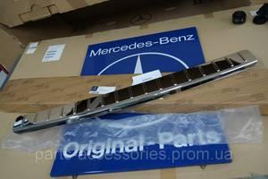 Новые Накладки бампера Mercedes