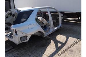 Стойка кузова средняя Mercedes ML-Class
