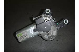 б/у Моторчик стеклоочистителя Opel Zafira