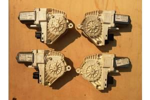 Моторчики стеклоподьемника Audi Q7